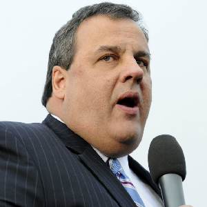 Governor Christie Calls Reporter An 'Idiot'