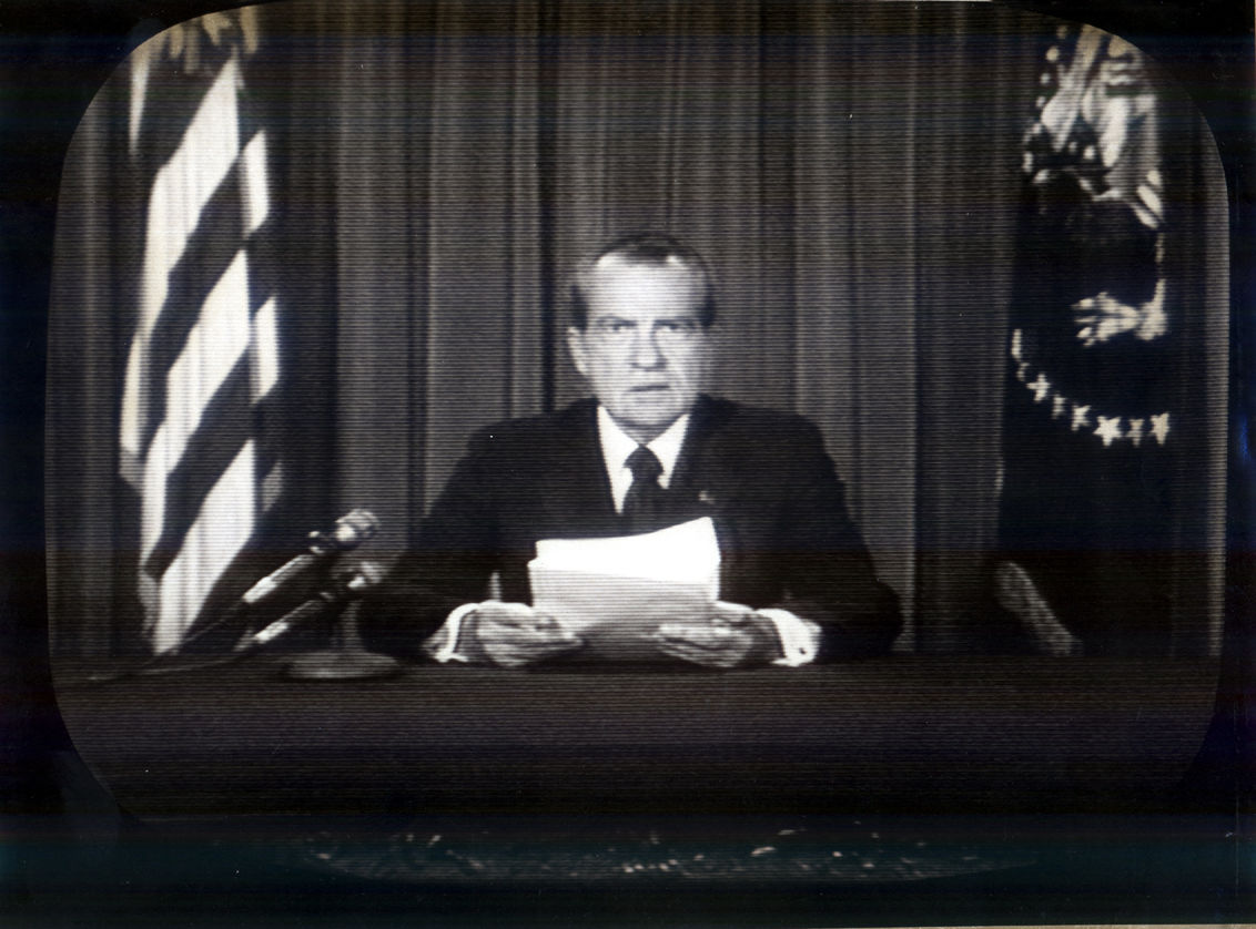 WAP74080806 - 08 AUGUST 1974 - WASHINGTON, D.C., USA: President Nixon resigns from the Office of the President, August 8, 1974 following his role in the Watergate scandal. CBS via UPI