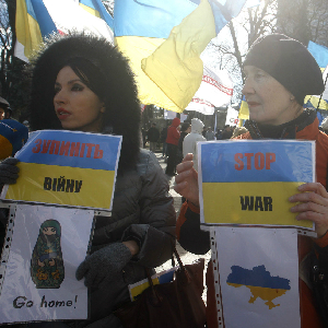 Ukrainian rally for peace outside the parliament building in Kiev on March 17, 2014 a after the referendum on independence in Crimea.