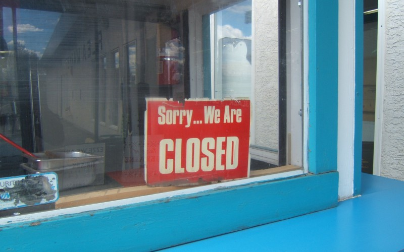 closed sign - economy