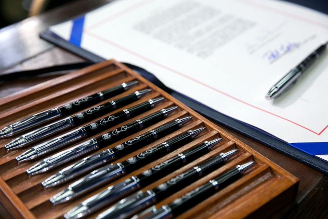 Image is loading Skilcraft-U-S-Government-Retractable-Ballpoint-Pens -Fine-Point-