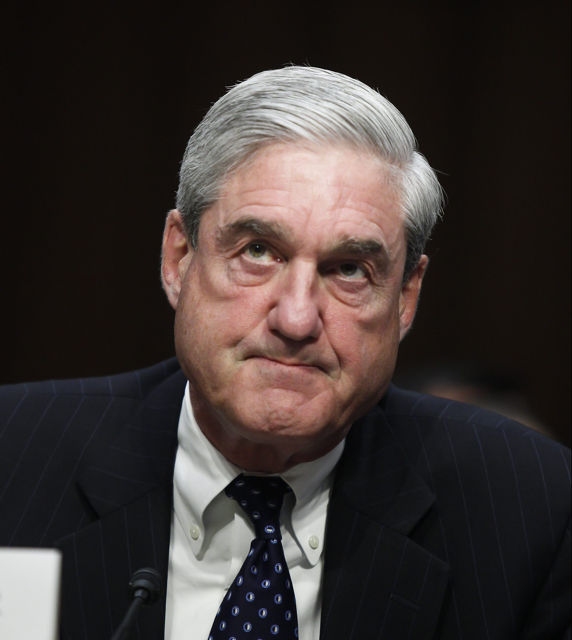 Ex Clinton Prosecutor Robert Mueller Can T Trump: GOP Lawmakers Call For 'hopelessly Compromised' Mueller To