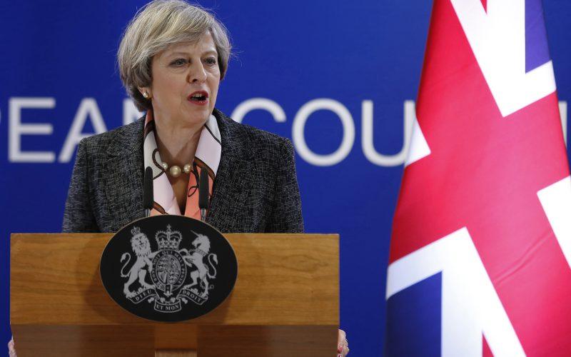 United Kingdom hospital says to re-examine case of terminally ill baby