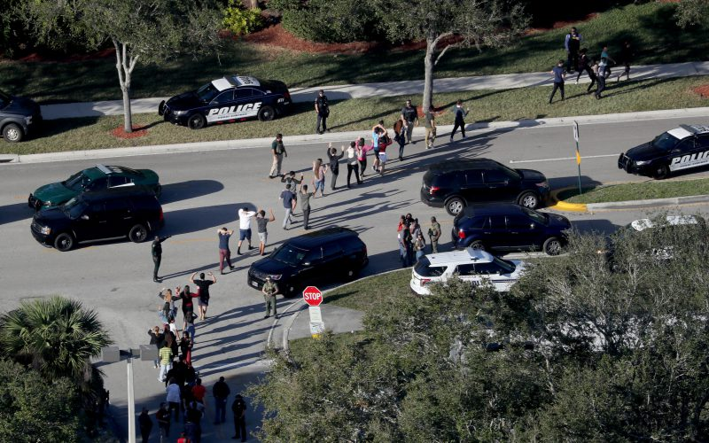 Commission begins probe into Florida high school massacre